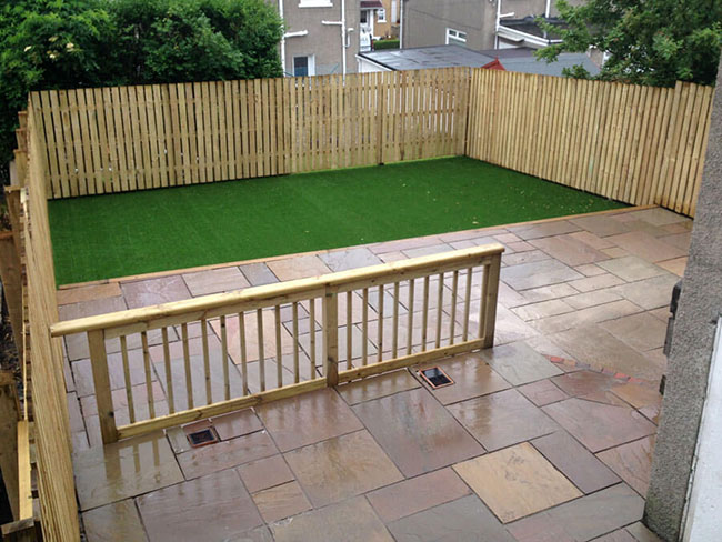 Garden landscaping artificial grass Glasgow with fencing & decking