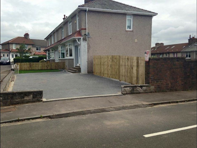 New Project in Glasgow for a Monablock Driveways and a garden fence